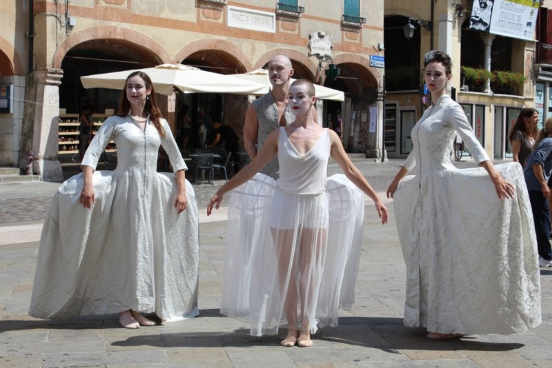Scapino Ballet in piazza